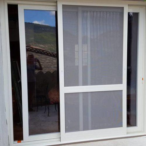 Fenêtre aluminium avec moustiquaire intégrée1-1