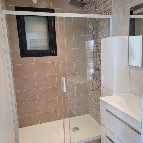 Salle de bain complète sur maison neuve 1-1