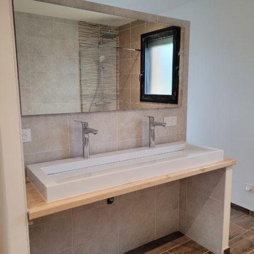 Salle de bain complète sur maison neuve – Double vasque avec miroir 1